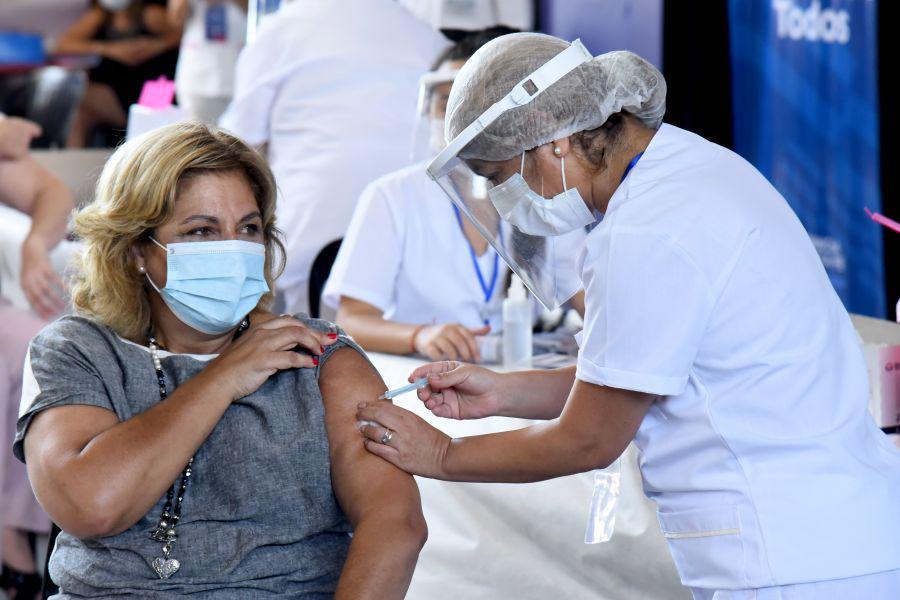 75288-se-habilitaron-pre-turnos-para-la-vacunacion-a-mayores-de-60-anios-contra-la-covid-19